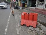 Don't (not) look down: walking inBali