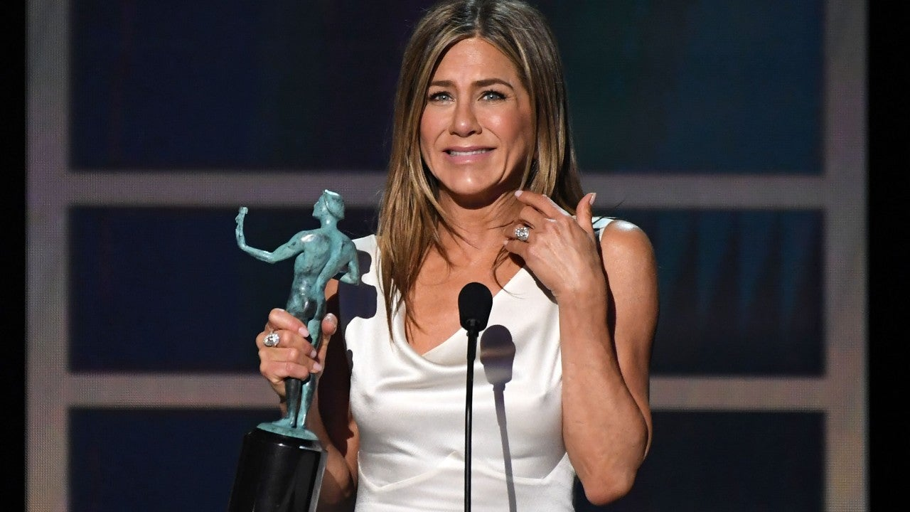 Jennifer-Aniston-gets-excited-after-winning-her-first-SAG-award
